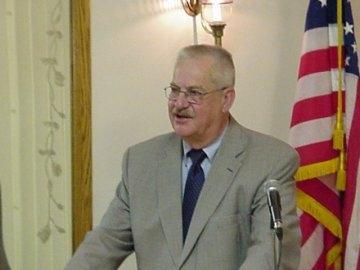 Mayor Dennis Popp.JPG
