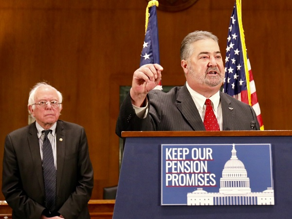 Machinists, IP Martinez Rally with Senators to Protect Pensions