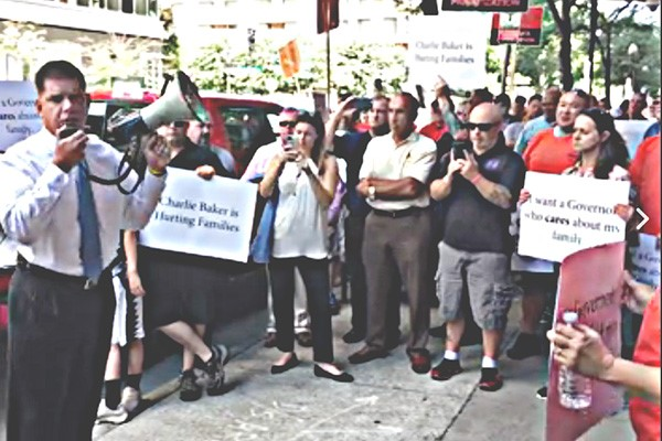 Boston Mayor: 'I Stand Firmly' with MBTA Bus Mechanics, Against Governor's Privatization Scheme