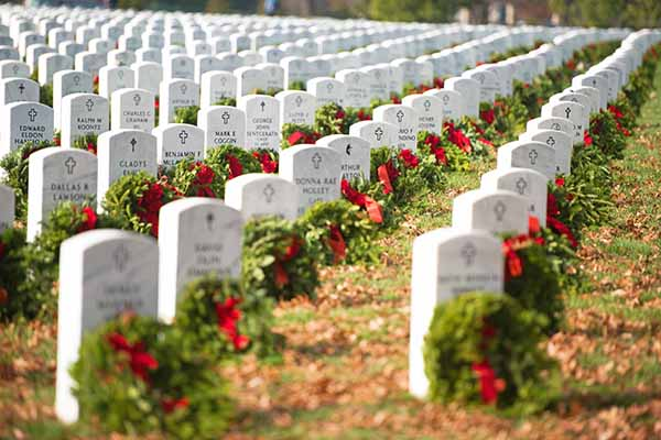 Join the Machinists at Wreaths Across America Day