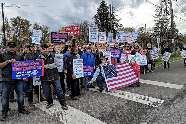 Rally to Support Oregon Precision Castparts Workers