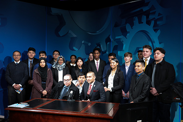 Aviation High School Students Visit IAM