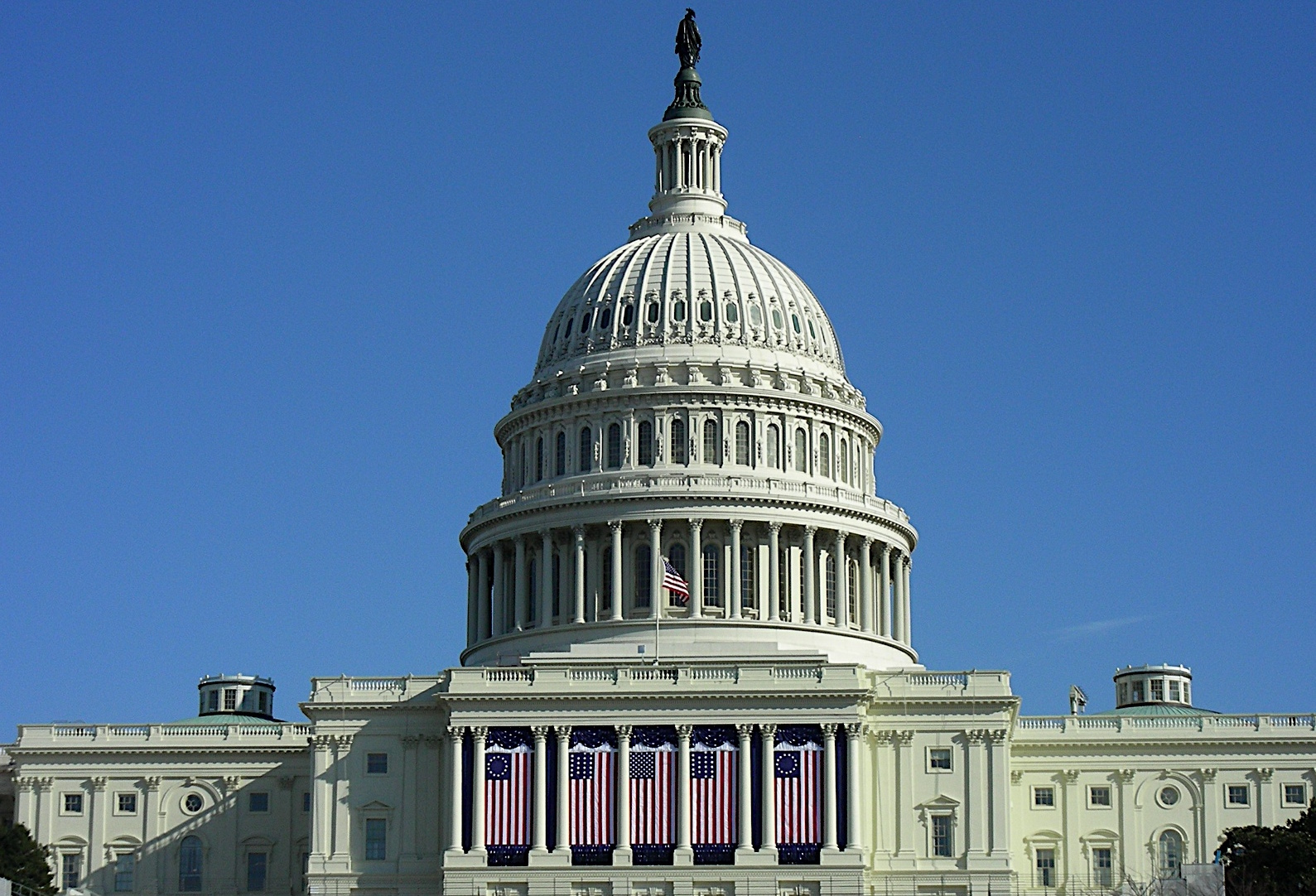 IAM Lobbying Results in FAA Provisions for Customer Service Agents and Flight Attendants