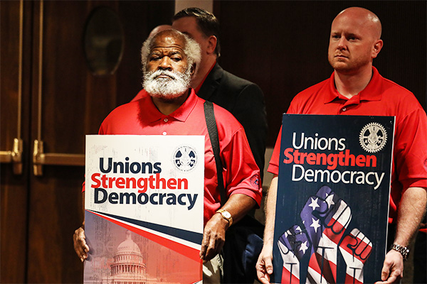 Machinists Stand Up for Worker Freedom