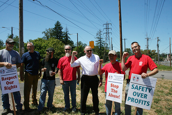Portland Rallies to Support PCC Welders