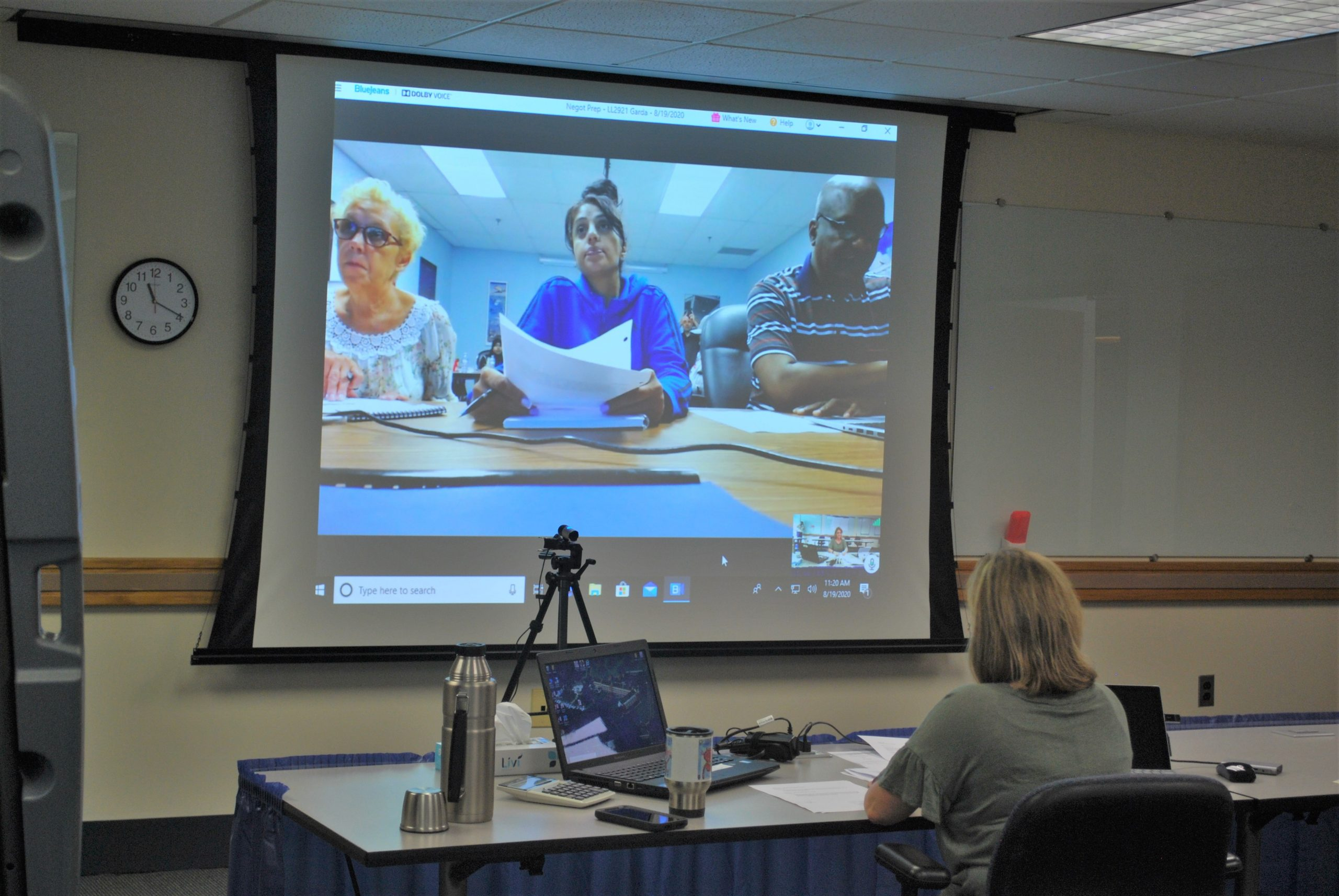 Canada Local 2921 Airport Screeners Build Power in Virtual Negotiation Prep Course