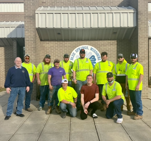 Blue Springs, MO Public Works Employees Vote to Join Machinists Union
