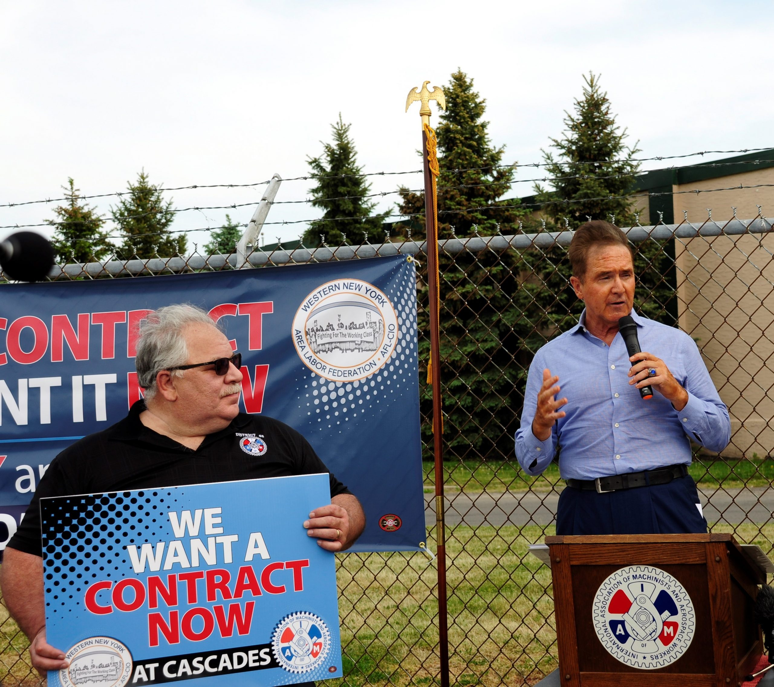 Congressman Higgins, IAM Fight for First Contract at Cascades